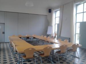 Photo grande salle côté PORTE